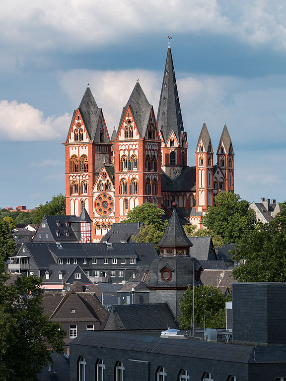 Limburger Dom Martin Kraft [CC BY-SA 3.0 (https://creativecommons.org/licenses/by-sa/3.0)]